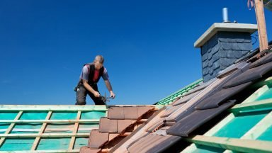 What is Roofer's Public Liability Insurance & what does it cover?