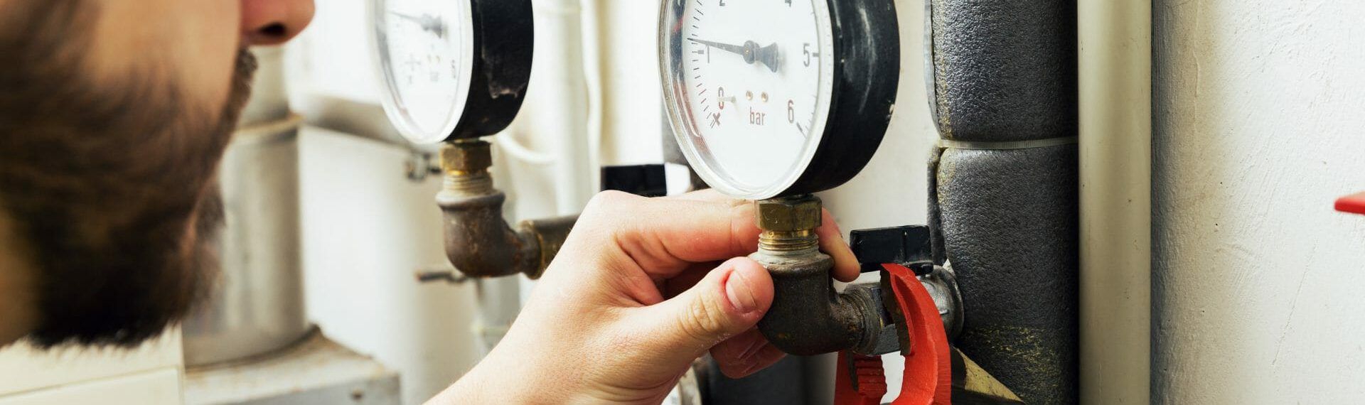 What considerations do you need to make when choosing Plumbing & Heating Contractor's Insurance?