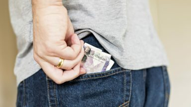 No More Cash: Cash In Hand Payments May Be Banned In Crackdown On Tax Dodging