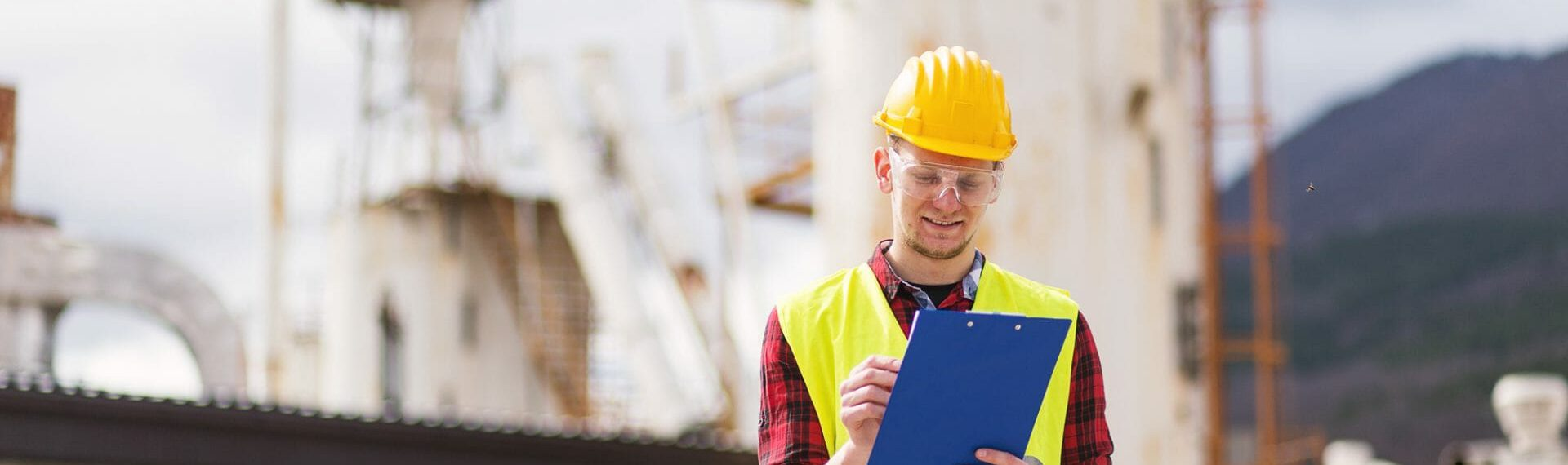 The Art of Invoices: What To Include On Your Tradesman Invoice