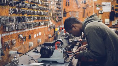Factors to consider when picking the right skilled trade for you