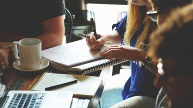 Newly qualified? How to Land your First Contract after finishing College