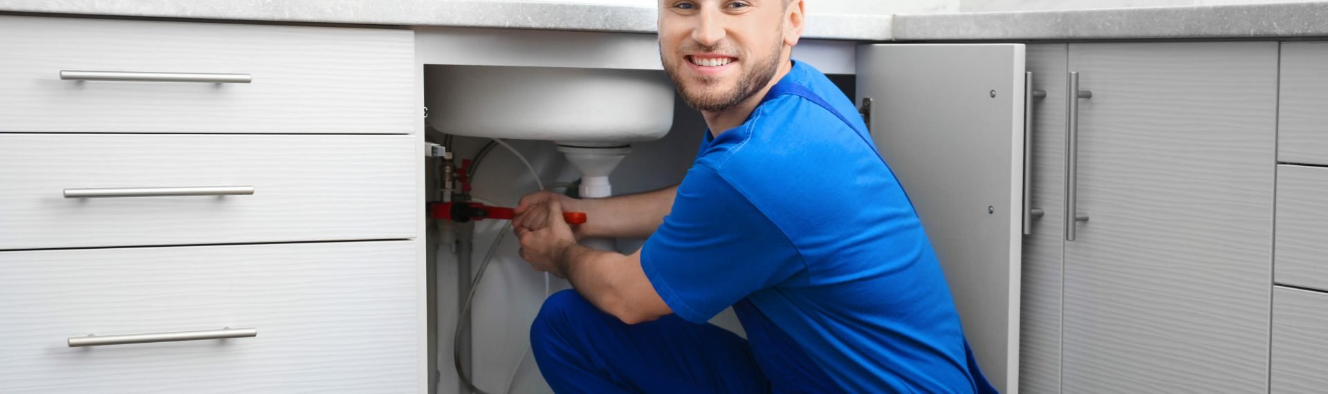 tradesmen hard hat plumber